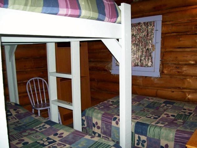 Cabin 2 bedroom with bunk bed and twin bed.