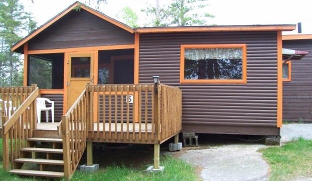Cabin 5 patio deck.