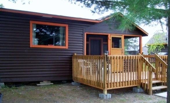 Cabin 6 patio deck.