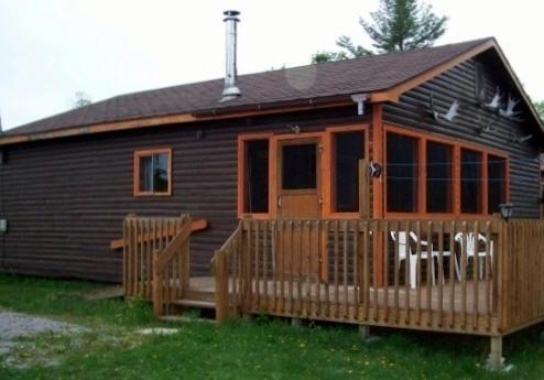 Cabin 8 patio deck.