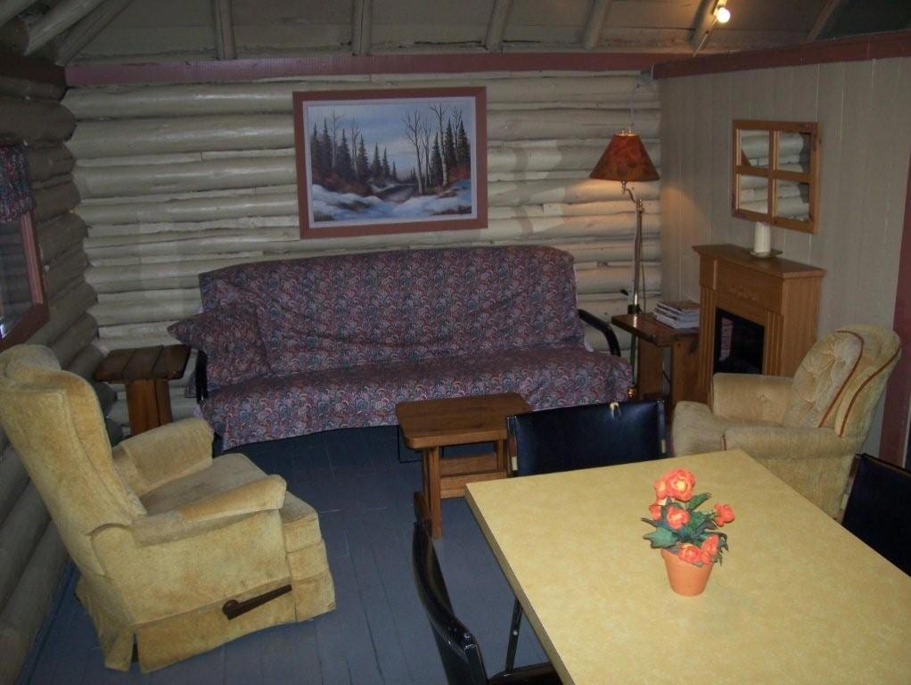 Cabin 1 living room.